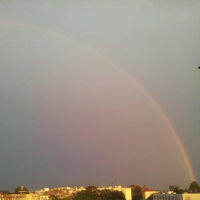 Arc-en-ciel sur Bruxelles